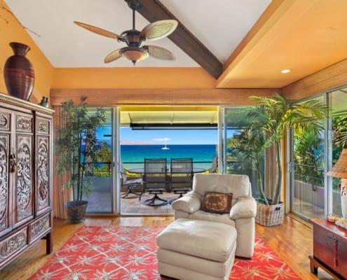One Bedroom Oceanfront Premium Suite Living Area