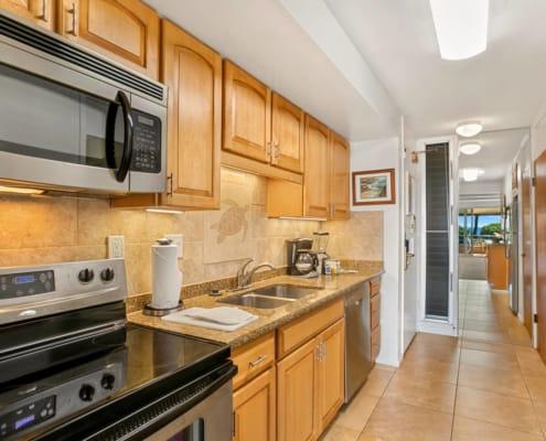 1-Bedroom Garden View Deluxe Kitchen