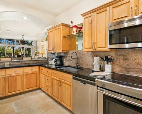 2-Bedroom Suite Deluxe Kitchen