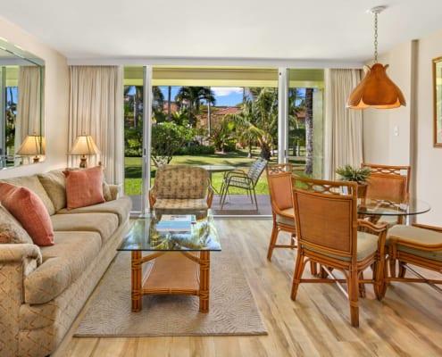 Studio Garden View Deluxe Living Area