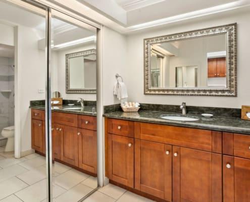 Studio Ocean View Bathroom